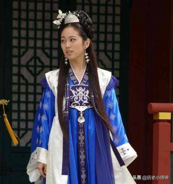 善德女王(德曼公主)为何不直接把王位给金春秋呢?