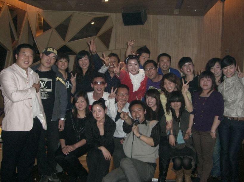 网聚中国E路K歌卡拉OK自助比赛活动第六期圆满结束,有照片哦