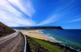 暑期快到了,想带着家人去海边住几天,有合适的地方推荐么?