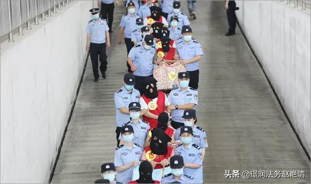 青岛警方破获一起网络女直播案,涉嫌121人,对此你怎么看?